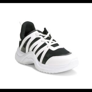 Sale!!! Wanted Chunky Sneakers Black And White